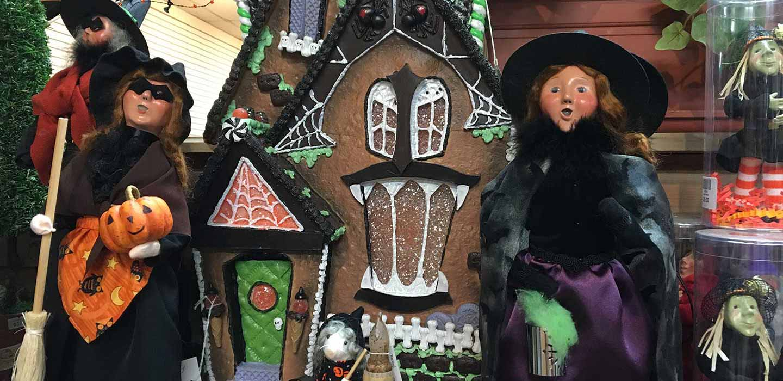 Byers' Choice Carolers Enjoying Halloween