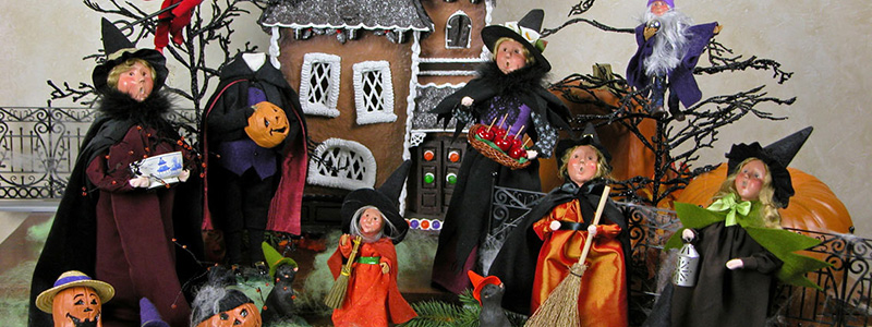 Byers' Choice Halloween Carolers